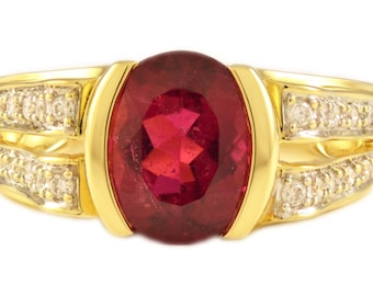 Oval Shape, Ruby Red Tourmaline, Diamonds, 14k Gold, Yellow Gold, Vintage, Ring
