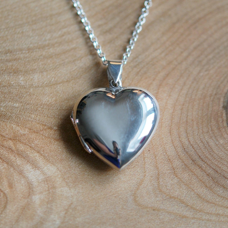 silver heart locket necklace sterling silver engraved heart. Black Bedroom Furniture Sets. Home Design Ideas
