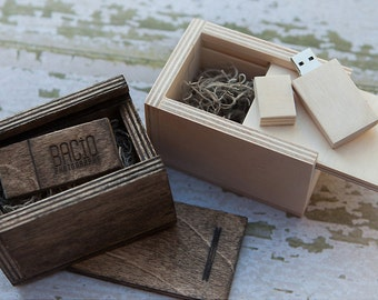 Wood box for USB - (box only) - (spanish moss included)