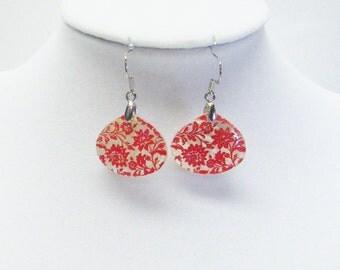Red & White Flower Tear Drop Shell Earrings