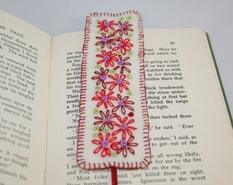 Embroidered Felt Bookmark - Red Retro-inspired Daisies by Lynwoodcrafts