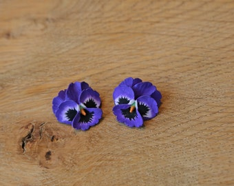 Pansy Stud Earring in a choice of colours