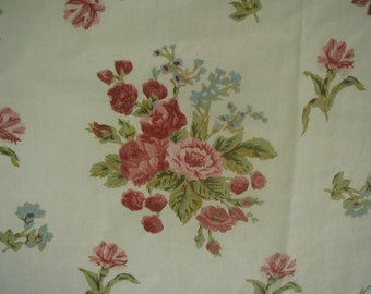 Vintage Bed Sheets, Set of 2, Pretty Floral Print, Rose Bouquets with Little Blue Flowers, Twin Bed Size