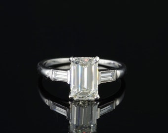 Sold! Spectacular Art Deco 1,91 Ct emerald cut diamond platinum ring