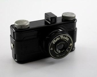 Vintage Photo Master 50mm Camera - Bakelite Art Deco design with original box