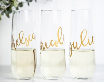 Personalized Champagne Flutes, Bridesmaid Gift, Bridesmaid Proposal, Bridal Party Gifts, Wedding Wine Glasses, Calligraphy, Custom Gift