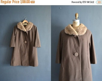 SALE - SALE 50s coat / 1950s vintage fur peacoat / wool peacoat