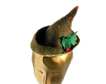 Robin Hood Hat in Green and Red Handmade Felt for Renaissance Fair Christmas Festivities - Fun Fascinator Whimsical Feel Gnome Cap