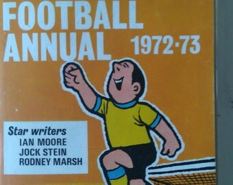 Vintage News of The World Small Football Annual 1972-73- Paperback
