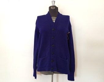 Vintage 1940s Wool Sweater / Med/Large / Dvora Knitting Mills