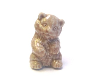 Wade Whimsie: Bear Cub Red Rose Tea Figurine