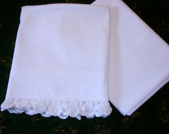 Pillowcases, Lot of pillowcases, white pillowcases, Standard size, King Size, Hand crocheted Lace edging, Mix and Match, Guest room