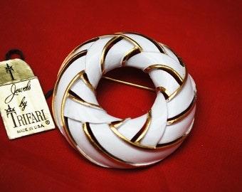 Crown Trifari Brooch White Enamel gold Mid century Wreath pin
