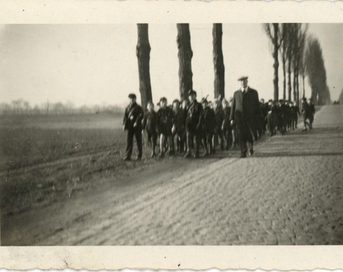 School Outing, 1920s-30s Vintage Snapshot Photo (511435)
