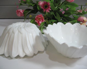 Milk Glass Bowls, Serving Bowls, Lily Pons Sunflower, Indiana Glass, Wedding Milk Glass, Set of Two