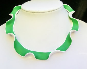 Green white wavy scalloped choker/ polymer clay green up white under/ enclosure with metal chain and lobster clasp