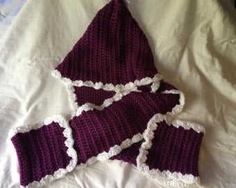 HC Plum and White Hooded Scarf 5x36