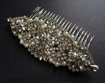 Wedding hair comb, Bridal hair comb, Barrette clip, Vintage brooch, Silver vintage style hair accessory