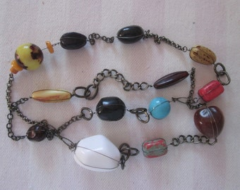 Vintage necklace more ball of colors and different shapes / Necklace more balls of different colors and shapes
