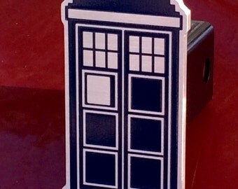 Tardis Doctor Who hitch cover