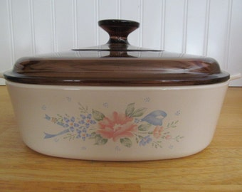 Corning Ware Symphony Casserole Dish with Amber Lid  2 Liter