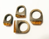 Amber wood ring with ecopoxy resin and gold leaf. Handcrafted ring for girfriend. Wood statement ring.