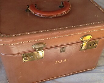 US Trunk Company Leather Train Case with 2 Keys