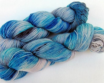 Handpainted Sock Yarn, 75 Wool  superwash, 25 Nylon 100g 3.5 oz.  Nr. 304