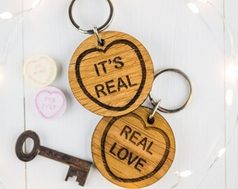 Valentines Keyring - Boyfriend Gift - Gift For Her - Gift For Girlfriend - Wooden Keyring - Wooden Hearts - Valentines Gift - Oak