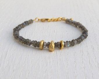 Summer SALE - Gold nugget bracelet, Gold labradorite bracelet