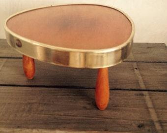 Triangle mini table