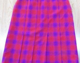 Vintage PENDLETON 100% Virgin WOOL Pleated Skirt~Plaid Red/Purple/Blue sz 14-16