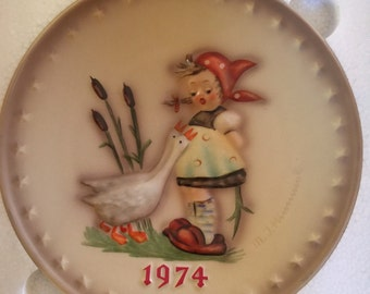 1974 Hummel Plate,  Annual Hummel Plate Goose Girl, in Original Box - Mint Condition, Never Displayed