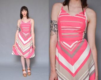 70s Chevron Striped Sun Dress S Pink White Colorblock Sculpted Bust Sleeveless High Waist Full Skirt Summer Midi Dress