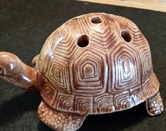 FREE U.S. SHIPPING--Adorable Turtle/Tortoise Flower Frog