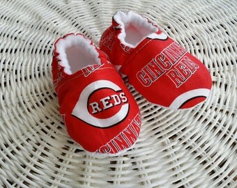 Cincinnati reds baby etsy cincinnati reds slippermoccs crib shoes toddler moccs kids slippers soft negle Image collections