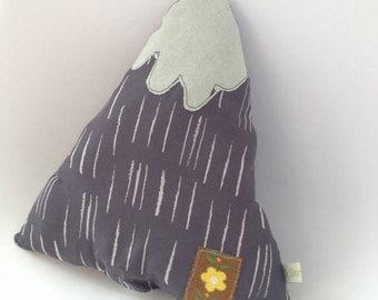 mountain range cushions