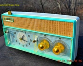 BELLS And Whistles Mint Green Retro Jetsons Vintage 1961 Arvin Model 51R56 AM Tube Clock Radio Amazing!