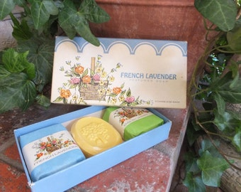 Vintage Boxed Soaps, French Lavender Perfumed Guest Soap, Country French, Hospitality Box of 3 Soaps
