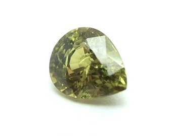 Demantoid Garnet Stunning  gem with a Carat weight of 1.26 - Pear cut