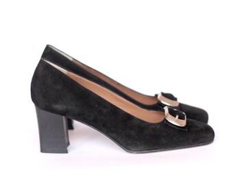 Vintage mod velvet pumps buckle heels - unused