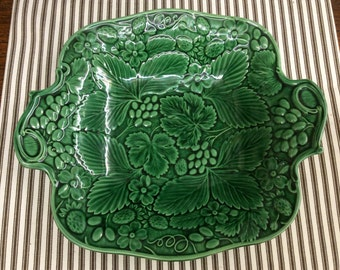 Majolica Green Leaves, Strawberry, and Grapes Platter