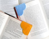Corner bookmark, felt bookmark, heart bookmark, unique book mark, page marker, page corner bookmark, gifts for book lovers, set of 2