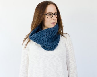 READY to SHIP // the DEWEY // simple crochet cowl