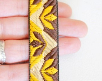 Yellow, Brown And Beige Embroidery Fabric Lace Trim, Approx. 25mm Wide - 140316L341