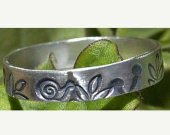 Snail Ring Sterling Silver Nature Lovers Gardeners Women or Mens Recycled MEtal