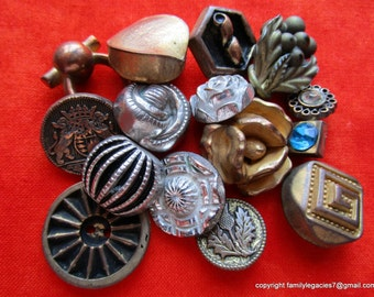 0040-I – 15 Fun Metalized Plastic Vintage Buttons, Some Realistics