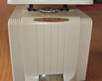 Vintage LANDERS FRARY & CLARK Universal Scale