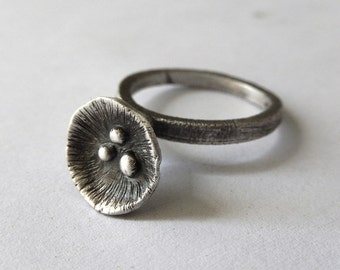 Sterling Silver Calla Lily Ring - Silver Blossom Ring - Botanical Ring - Minimal Textured Sculpture Ring - Oxidized Dark Jewelry - US size 6