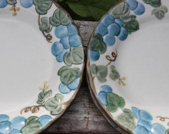 5 Vintage Sculptured Grape Poppy Trail Metlox Vernon salad plates, Metlox dessert plates, vintage Mid century dinnerware California pottery